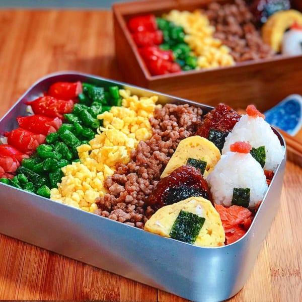 彩り鮮やか5色丼