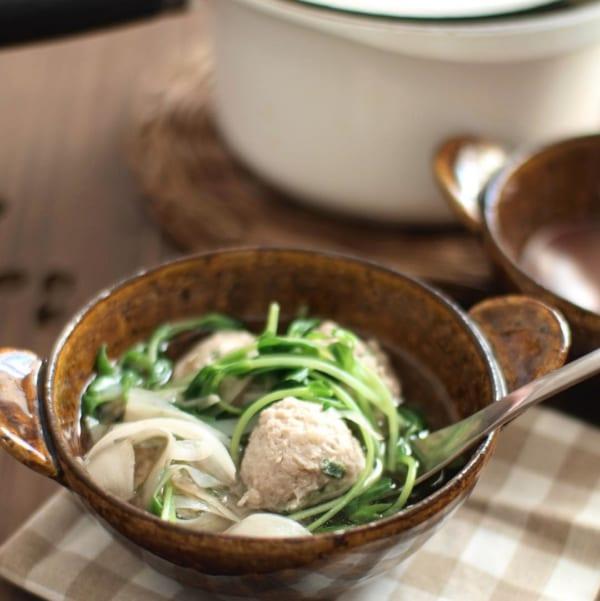 鶏とごぼうと豆苗のスープ
