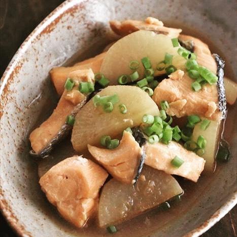 ブリと鮭大根の煮物