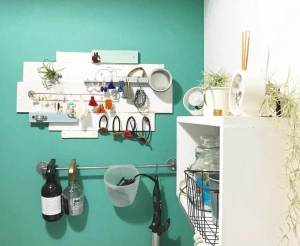 壁面は収納スペースとして大いに利用する3