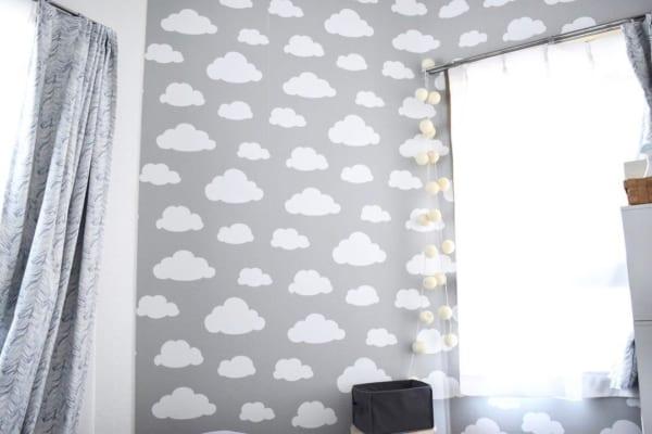 雲モチーフの貼ってはがせる壁紙