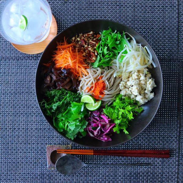 たっぷり野菜の和え麺