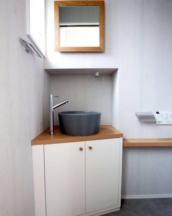 デッドスペースも利用できる造作家具