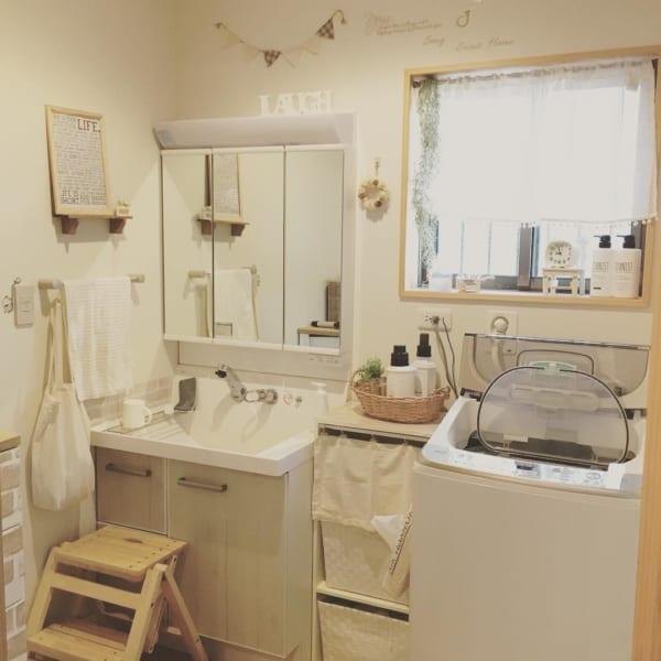 清潔感が好印象♡シンプル&ナチュラルな洗面所インテリア
