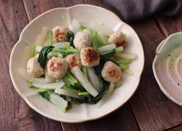 野菜たっぷり!鶏団子と大根の旨だし煮