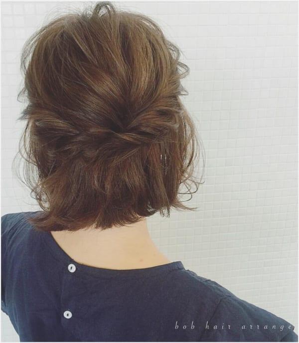 ショートボブ まとめ髪アレンジ ハーフアップ