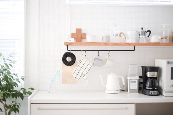 飾り棚にアイアンバーを取り付けて見た目&実用性UP