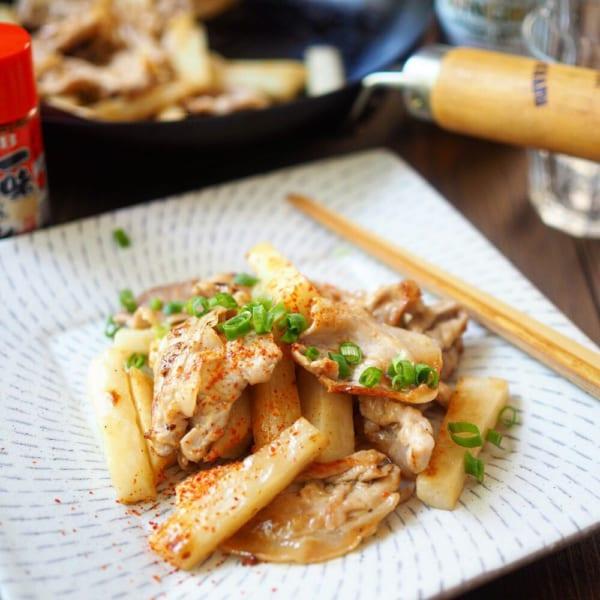 長芋と豚こまのガリバタポン酢炒め