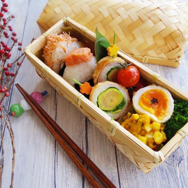 竹カゴのお弁当