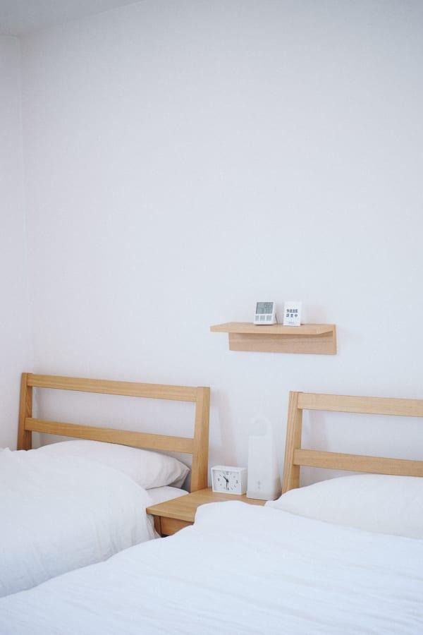 ベッドサイドチェストの置き方 2台のベッド