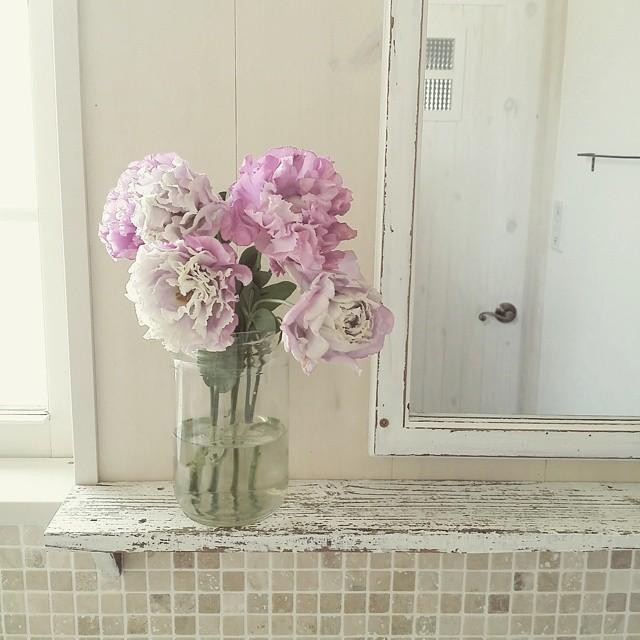 タイル張りの洗面所