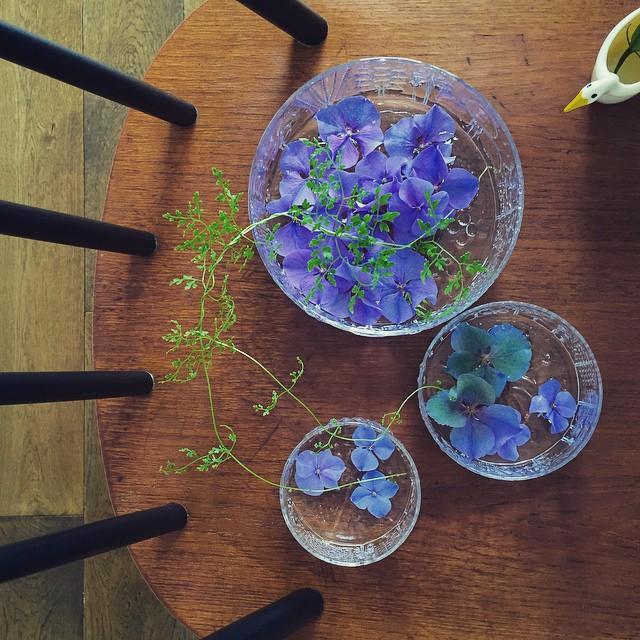 浮き花をたくさん飾る