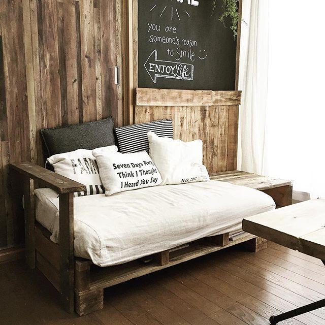 リビングの主要な家具ソファー