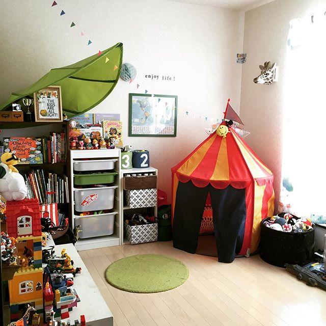テント付きの子供部屋