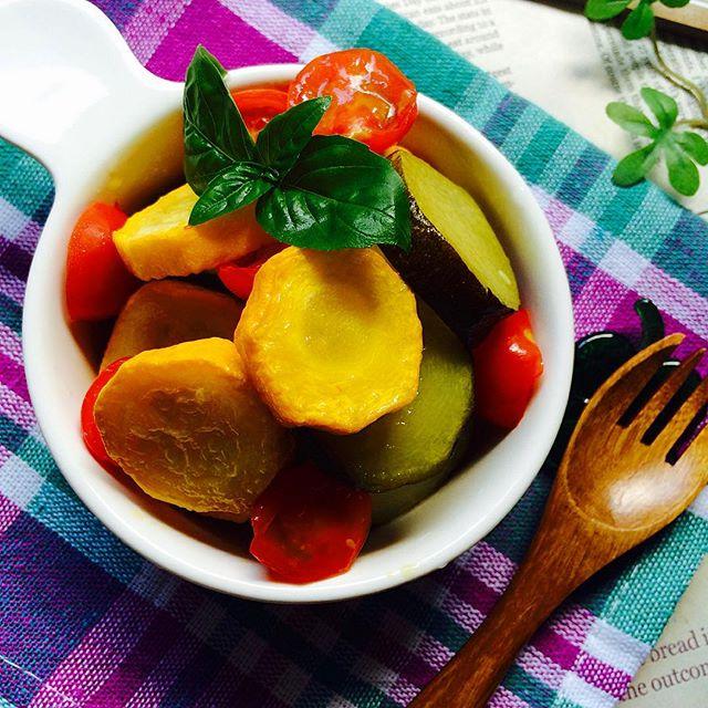 ズッキーニとトマトの簡単マリネ