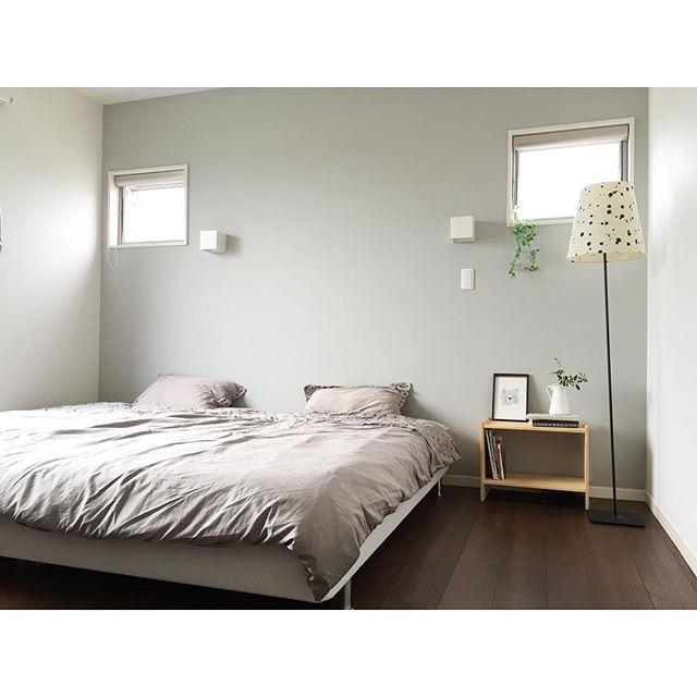 シンプルな寝室&ベッドレイアウト