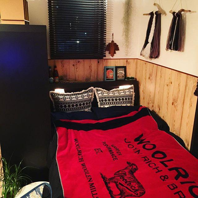 異国風な寝室&ベッドレイアウト