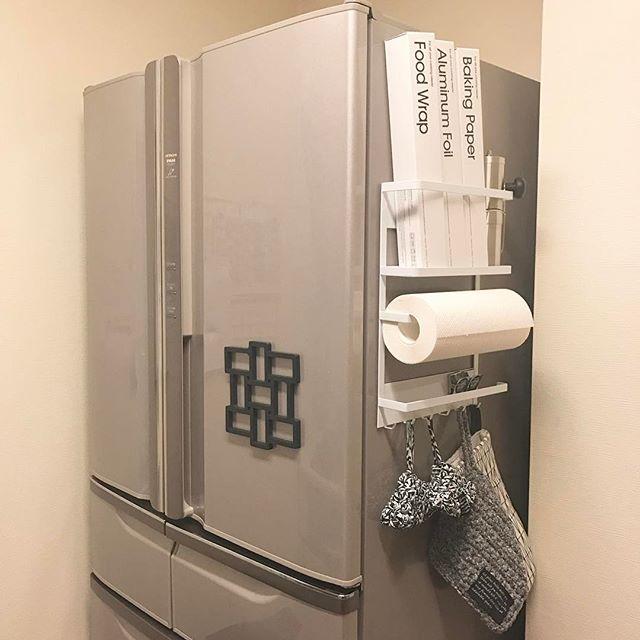 冷蔵庫横のスペースを利用して2