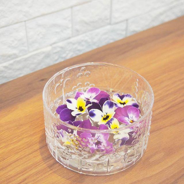 いろいろな生花で楽しむ浮き花