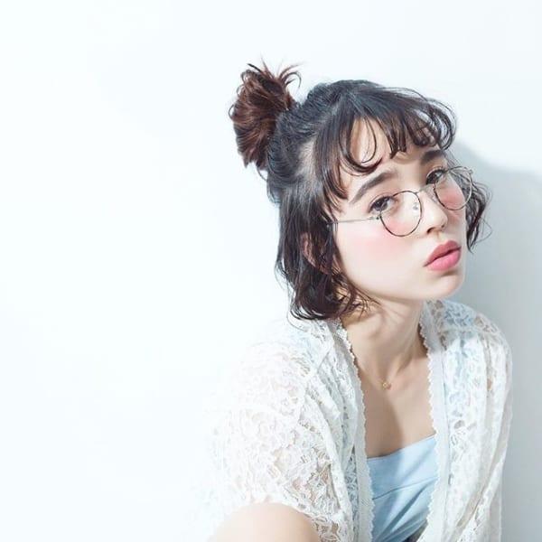 丸メガネに似合う髪型 アレンジ6