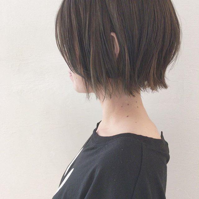 ベージュの髪色 ショート8