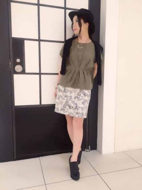 《初秋》気温27度の服装:スカートスタイル 雨