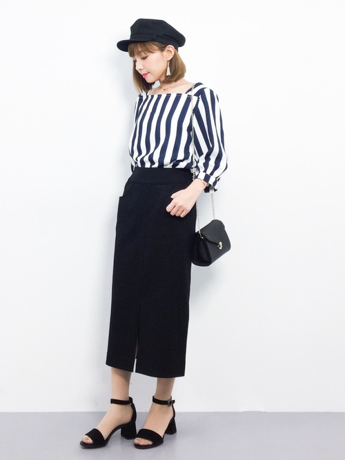 4きれいめコーデ:黒タイトスカート