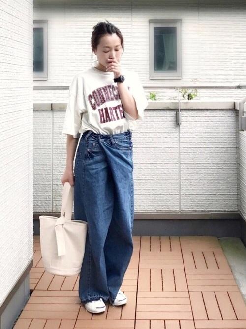ロゴTシャツ×パンツコーデ