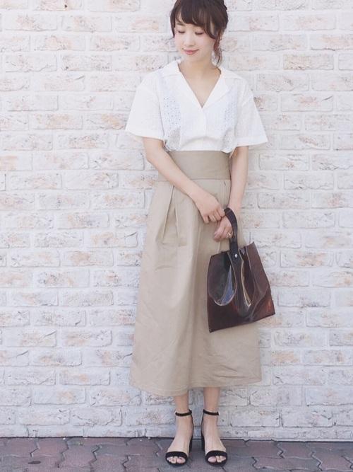 白 開襟シャツ コーデ3