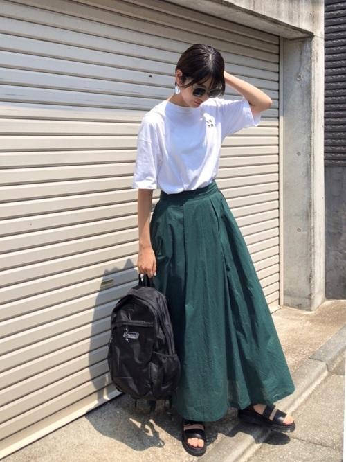 カラースカート×コールマンリュック
