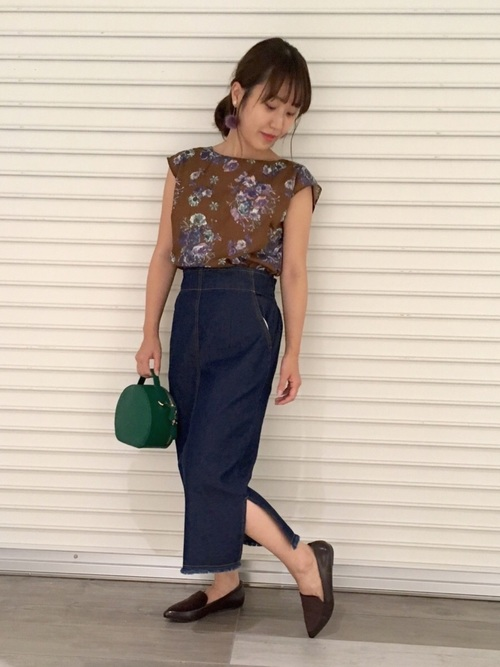 《初秋》気温27度の服装:スカートスタイル 曇り