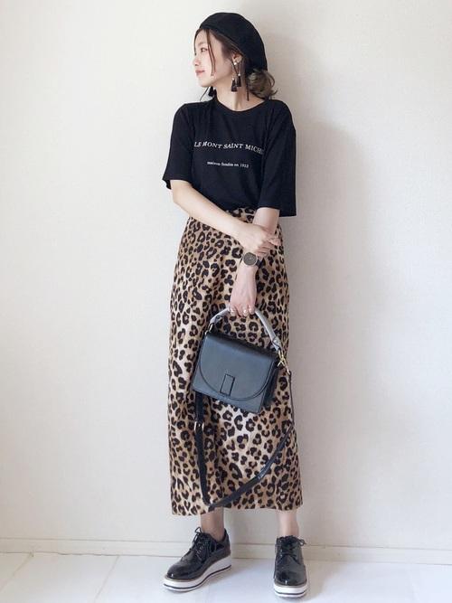 レオパードスカート プリントTシャツ