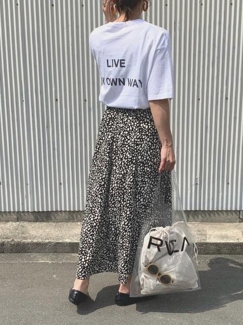 レオパードスカート ロゴTシャツ2