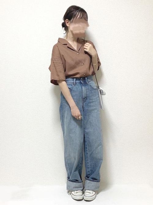 シンプルなGUのシャツ×パンツコーデ