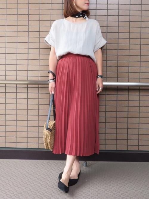 GU レッド プリーツスカート