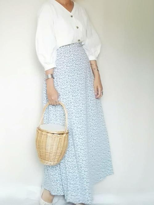 GU フラワープリントフレアロングスカート ブルー