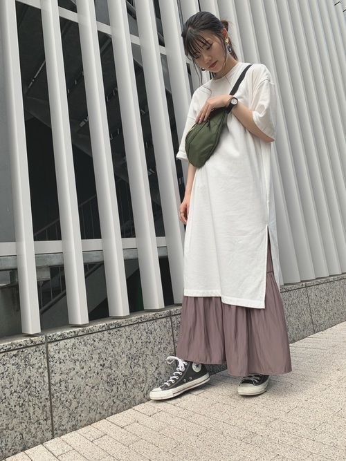 Tシャツワンピースにスカートをレイヤード