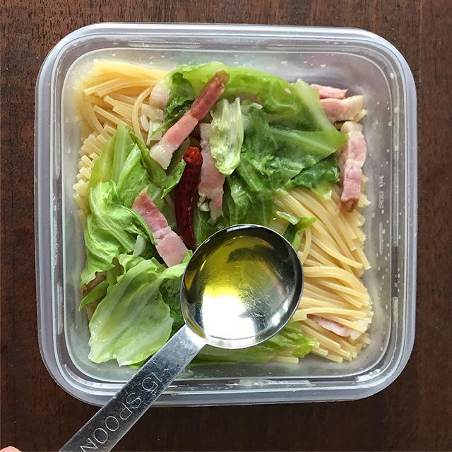 レンジで簡単調理!ペペロンチーノ