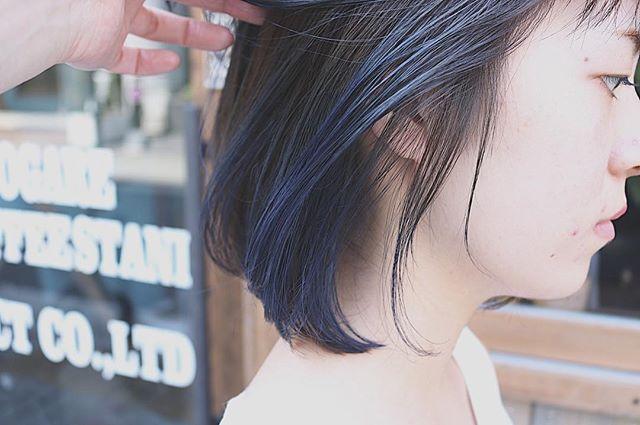 青みカラーボブ