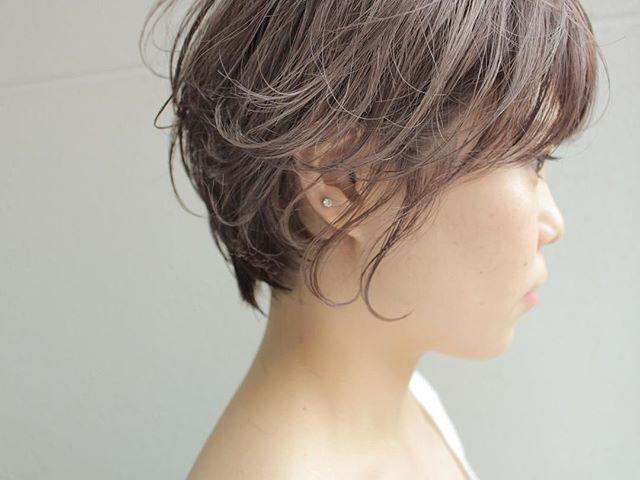 ベージュの髪色 ショート5