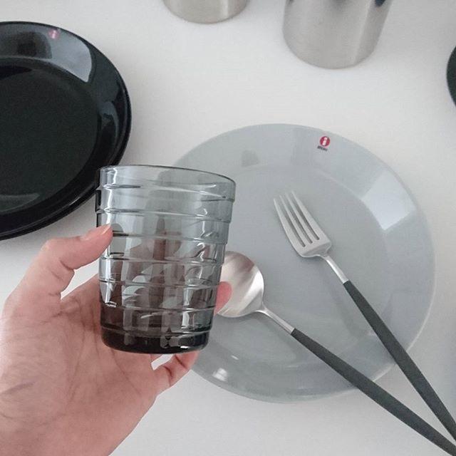 北欧食器を取り入れたにぎやかな食事12