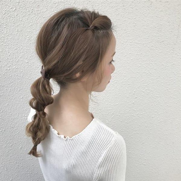 前髪ポンパドールのまとめ髪2