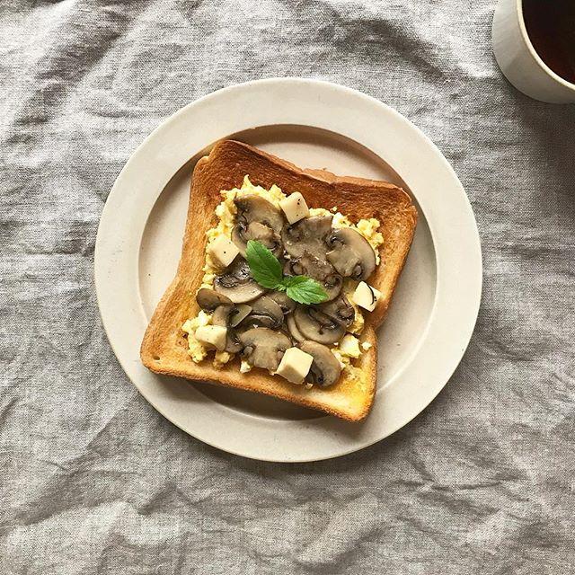 マッシュルームと卵のトースト