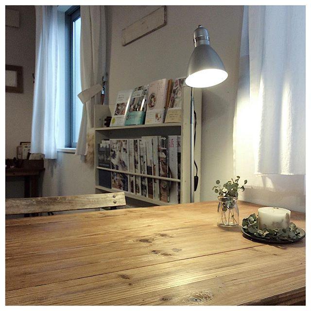 部屋を明るく照らす照明