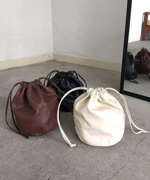 [UNE MANSION] フェイクレザーミニ巾着バッグ