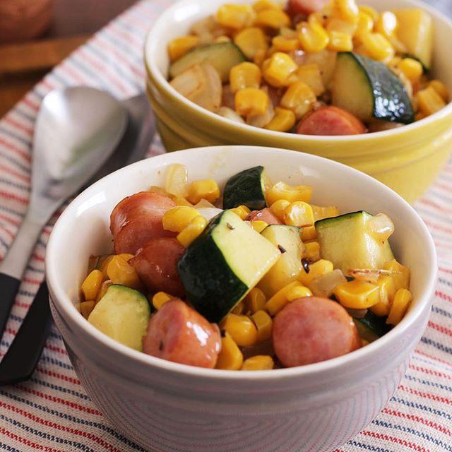 ウインナーと夏野菜のコロコロ塩バターコンソメ トマトソースハンバーグに合うおかず