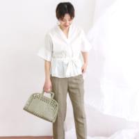 夏の《ブラウス&シャツ》コーデ15選◆きれいめからカジュアルまで一挙公開