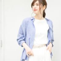 青シャツ・ブラウスのレディースコーデ特集♪ボトムスで雰囲気が変わる春夏の着こなし
