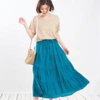 Tシャツ×スカートのお手本コーデ50選♪絶妙なバランスの着こなし術を学ぼう!