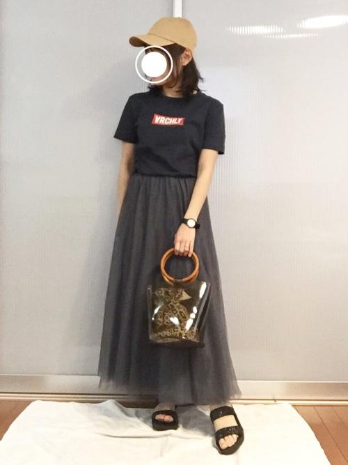 GUのおしゃれTシャツ×スカートコーデ3